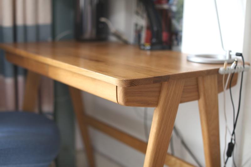 北欧简约风格实木书桌